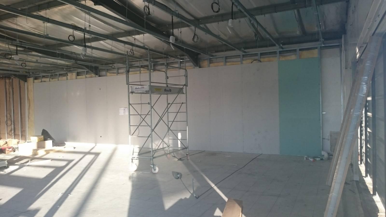 R novation int grale site renault pertuis 13 pose de - Ossature metallique pour faux plafond ...