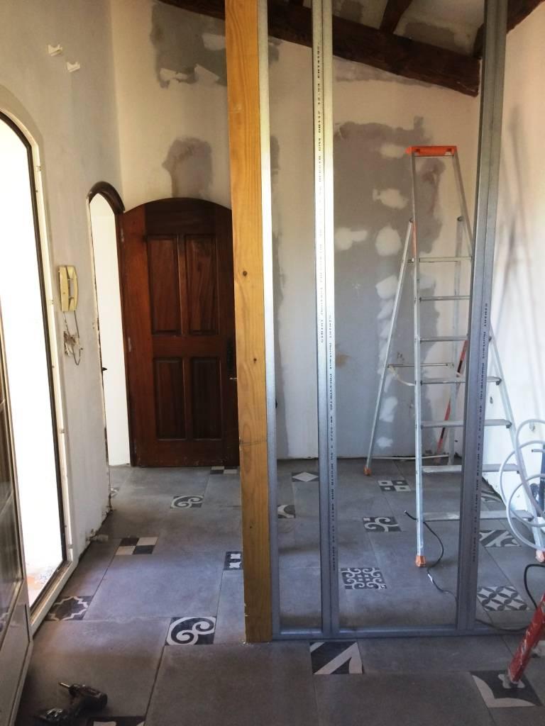 cr ation d 39 une salle de bain villa la seyne sur mer pose de cloisons et faux plafond. Black Bedroom Furniture Sets. Home Design Ideas