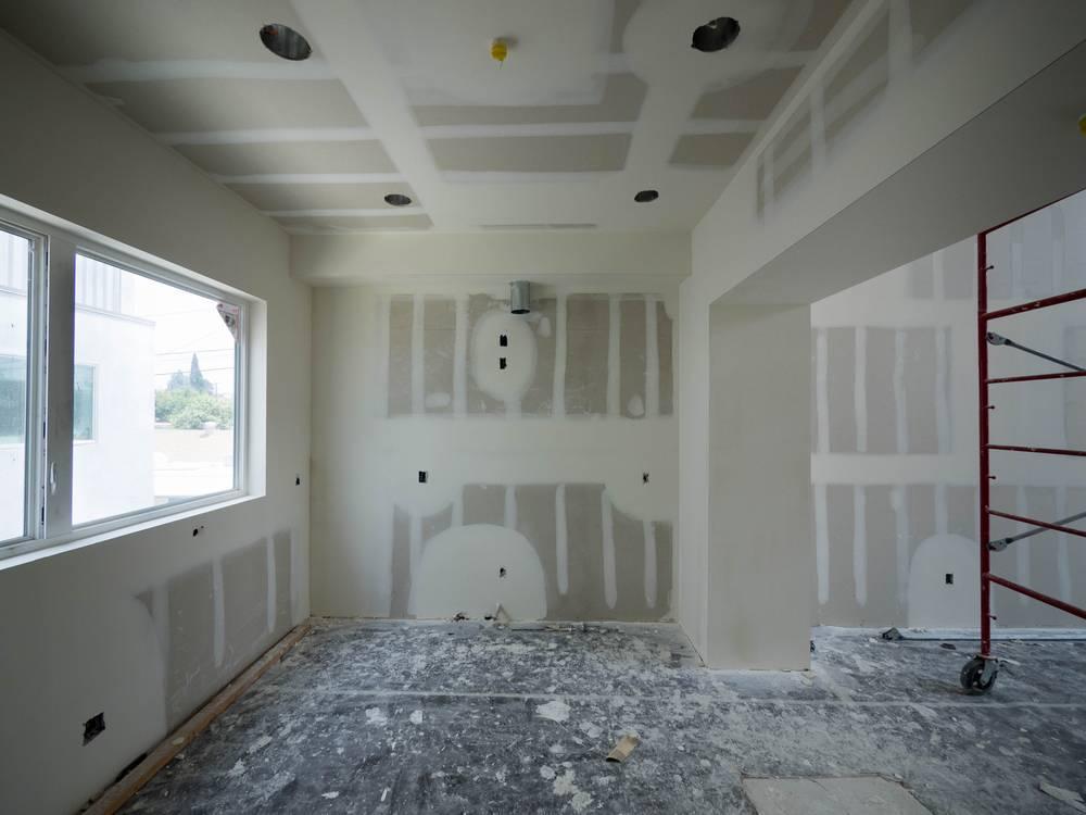 pose de cloison de plaque en pl tre hydrofuge dans une villa la seyne mer pose de cloisons. Black Bedroom Furniture Sets. Home Design Ideas