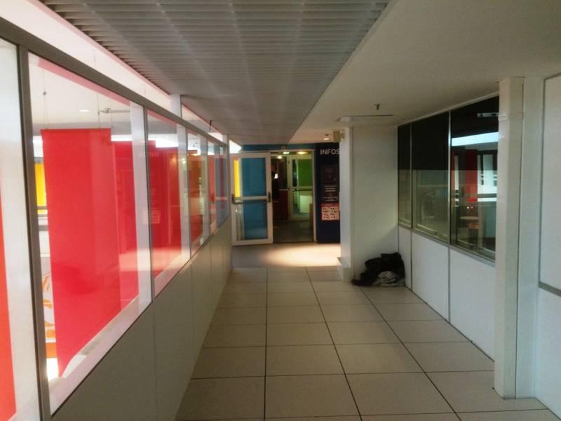 Pose De Sol En Carrelage Centre Commercial A Vitrolles 13